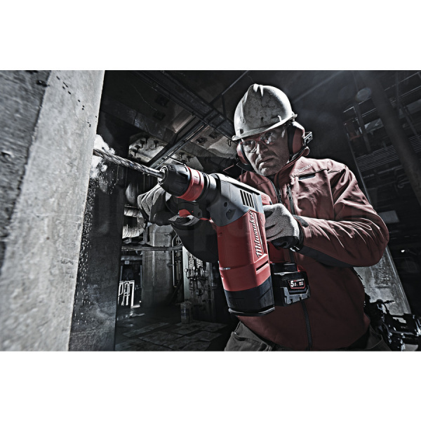 Перфоратор Milwaukee M28 CHPX-502C FUEL