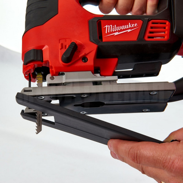 Лобзик Milwaukee M18 BJS-402C