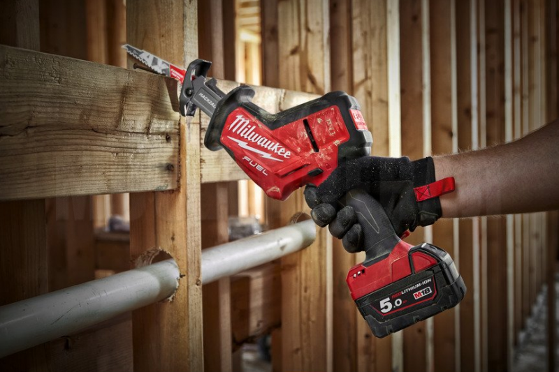 Пила сабельная Milwaukee M18 FHZ-502X