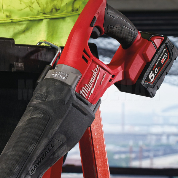 Пила сабельная Milwaukee M18 CSX-0 FUEL